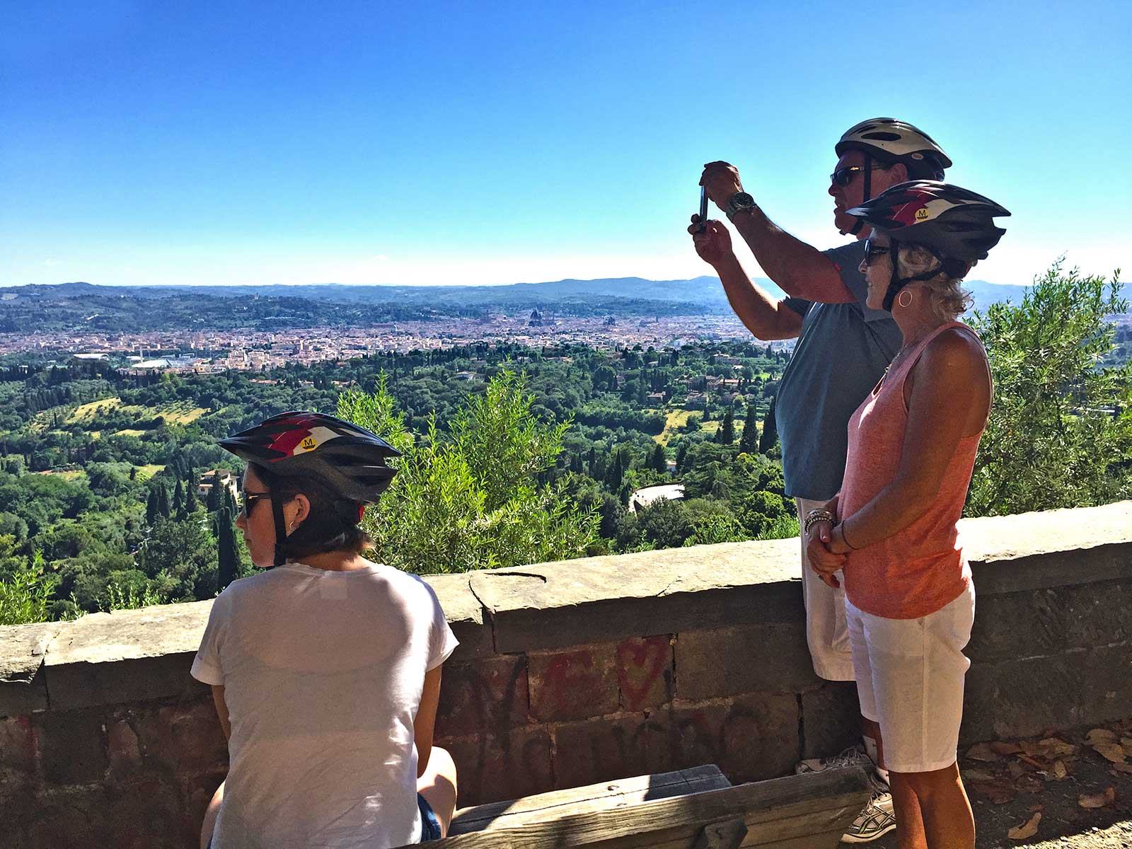 Downhill to Florence bike tour | view onto the city | bikeinflorence.com