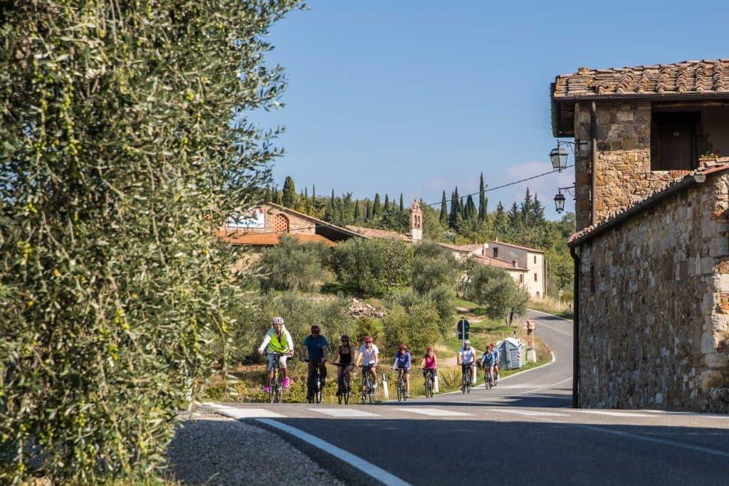 Family Biking Tour thru the vineyards   bikeinflorence.com