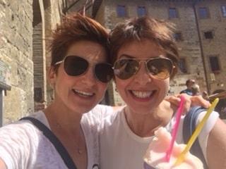 San Gimignano to Siena bike tour - happy guests | bikeinflorence.com